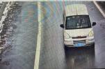 河南高速交警二支队集中曝光一批驾车接拨手持电话的违法行为
