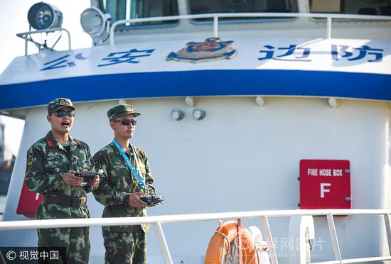 """山东东营:""""舰载机"""" 助力边防船艇部队海上应急救援"""