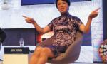 金星一身中国蓝亮相达沃斯 她说:现在 是中国的时代