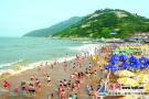 夏季连云港连岛景区游人如织 海滨旅游受热捧