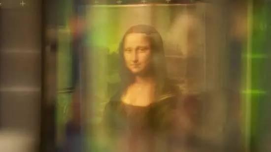 据科学家通过多光谱扫描发现《蒙娜丽莎》是由四幅画像叠加出来的.