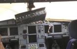 川航迫降机舱画面曝光:副驾驶身体飞出去一半