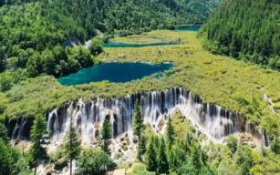 美到窒息!记者实地探访震后两年的九寨沟,诺日朗瀑布更加壮观!