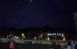 多地夜空突然出现的奇异光束是什么?专家这么看